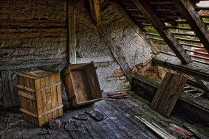 Как да организираме почистване на тавана