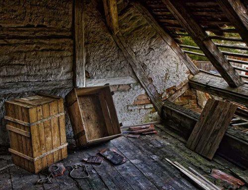 Какво може да намерите при почистване на тавана