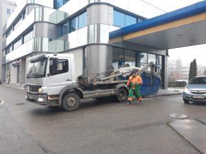 камион-за-контейнери-за-строителни-отпадъци