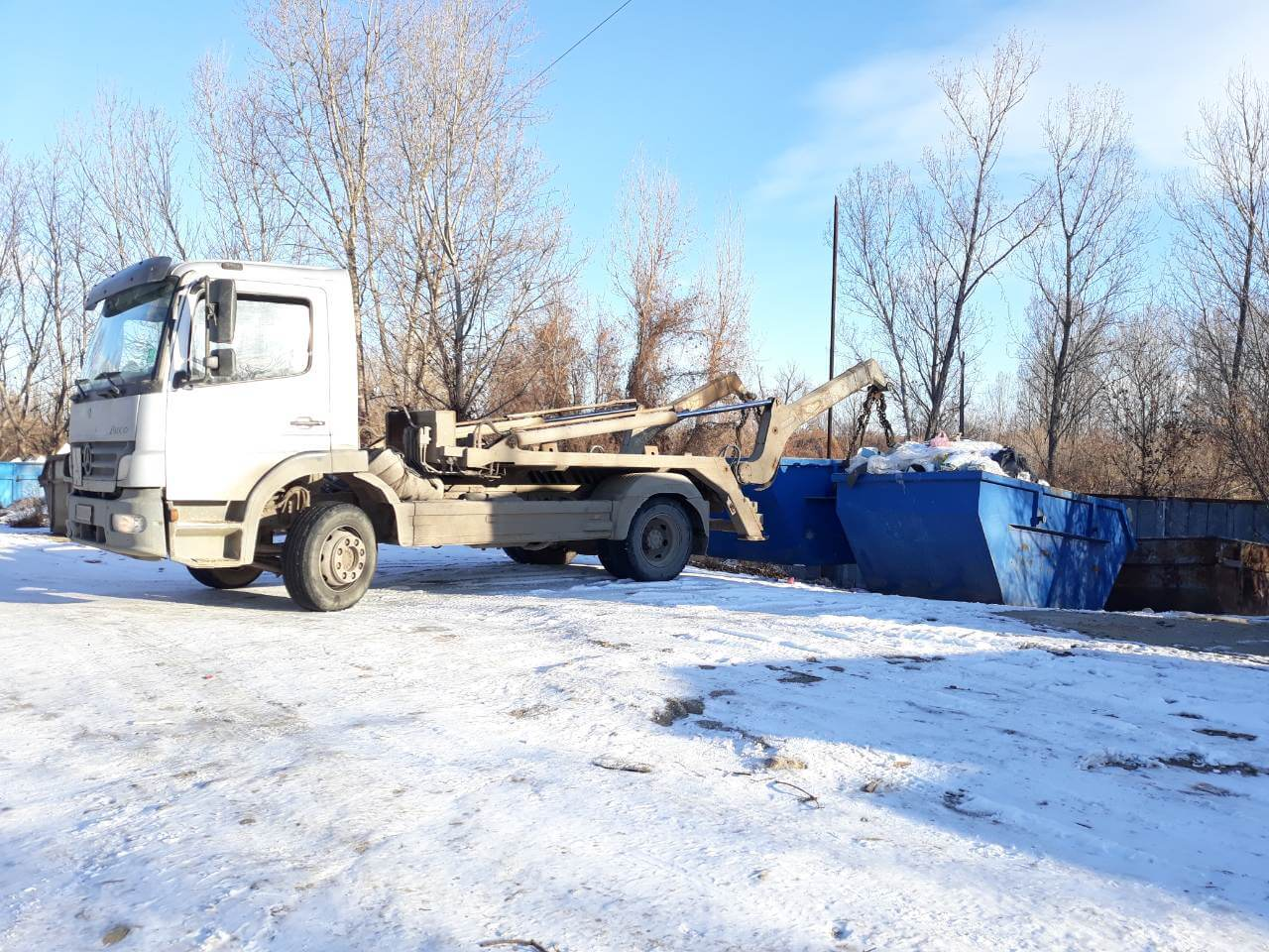камион-за-контейнери
