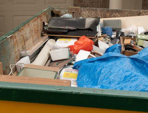 Извозване на контейнери с отпадъци след кетъринг и търговски обекти