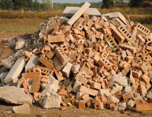 Извозване на строителни отпадъци – къде се изхвърлят и каква специализирана техника е необходима?